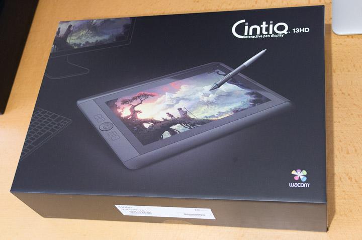 Cintiq 13HDの箱