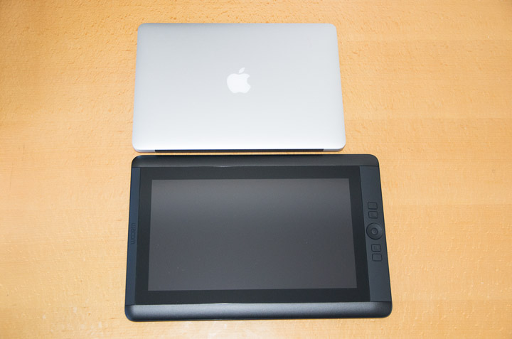 MacBook Airとの横幅比較
