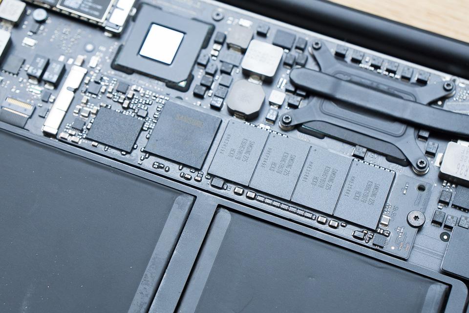我が家のMacBook Air(Mid 2012)に入っていたのはサムスン製512GB SSD