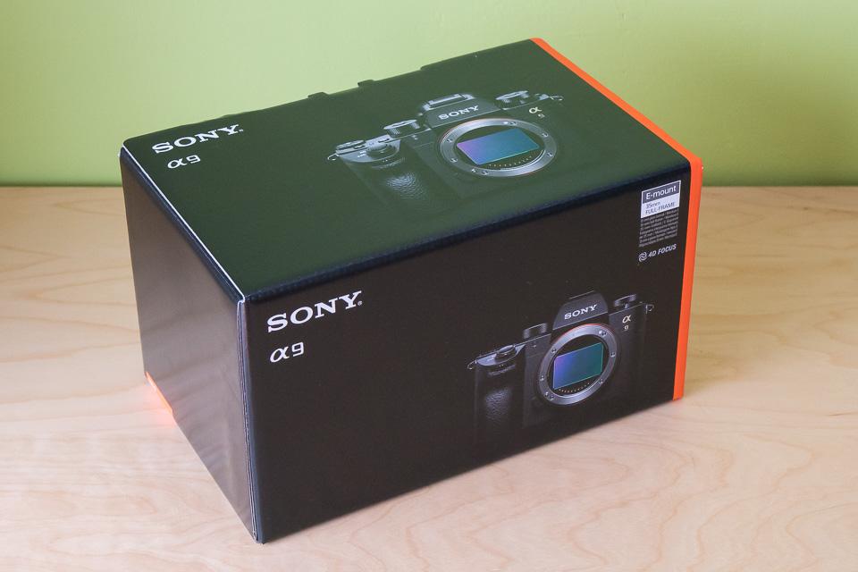 ソニーα9の箱