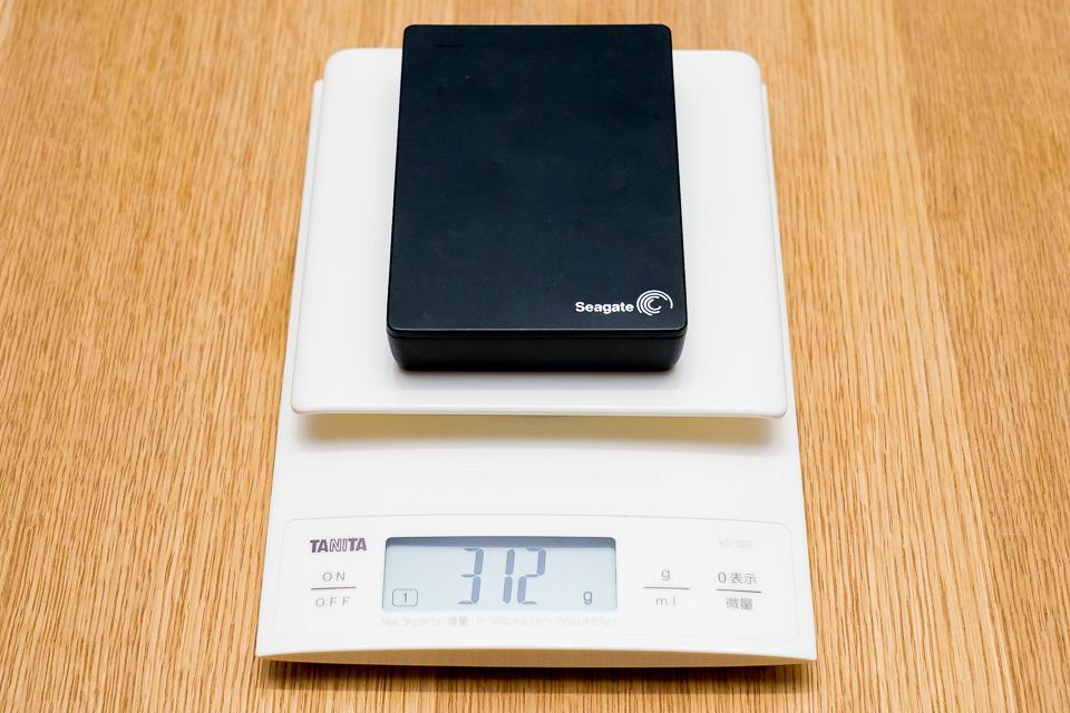 Fast 4TBの重量は312g